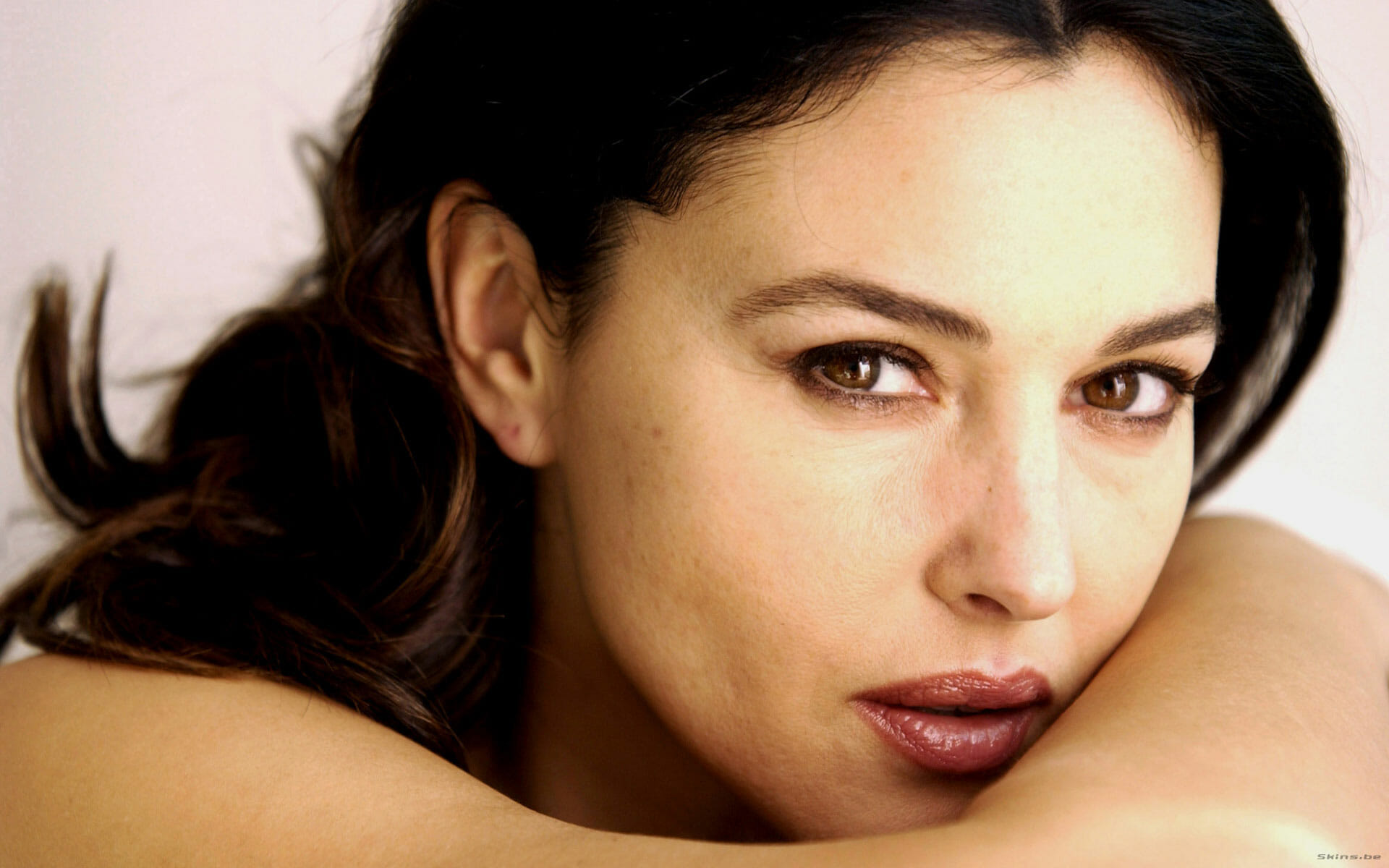 Celeb Secrets: How To Look Great Without Makeup