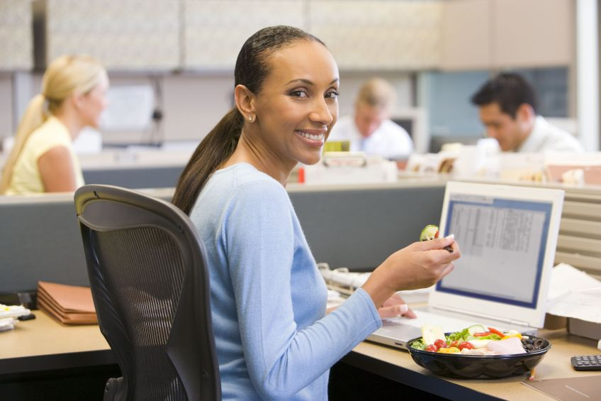 8 Proven Ways To Eat Healthy At Work