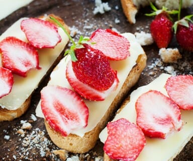 strawberry and cheese sandwich - 10 Healthy Snacks for Summer