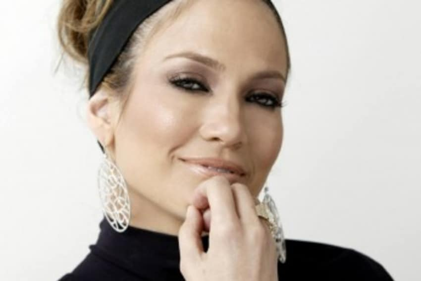 Jennifer Lopez - Sunscreen and Regular Hydration