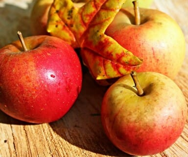 apples for flat stomach